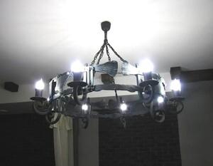 Ковані світильники, люстри, бра